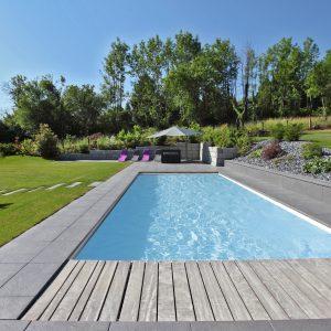 Construction à toiture deux pans - piscine